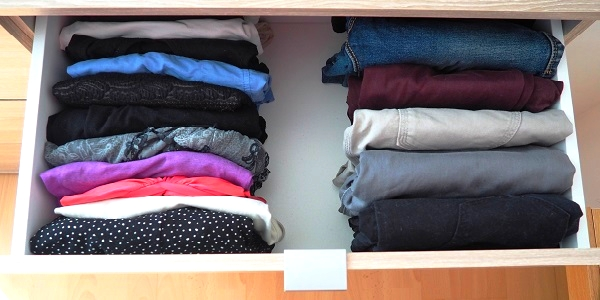 Pliage de vetements selon méthode konmari